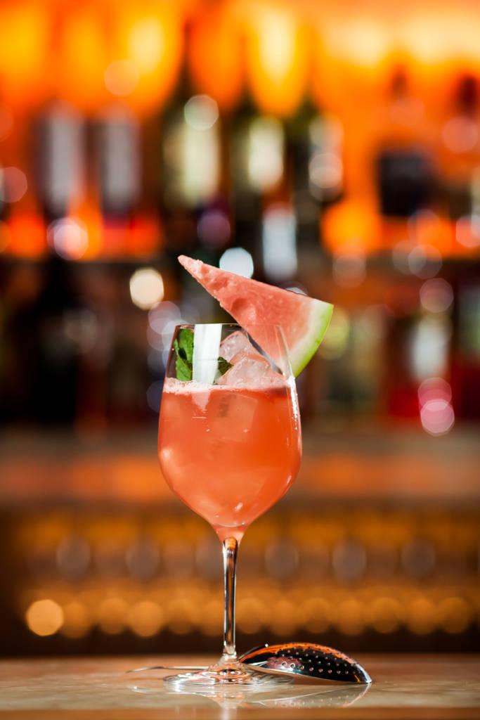 Summer Mint – Это неожиданное сочетание ароматной сливы и свежего арбуза с имбирным лимонадом