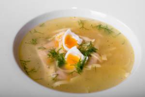 Домашний суп из молодого цыпленка