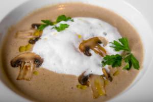 Суп – пюре из белых грибов и шампиньонов